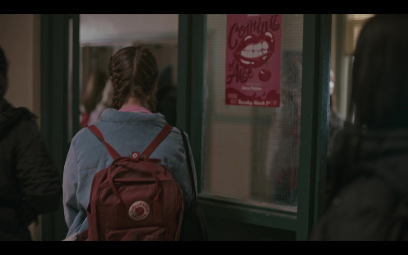 Fjallraven Kanken Classic Backpack of Lola Blackman as Rachel Finer in Grand Army S01E07