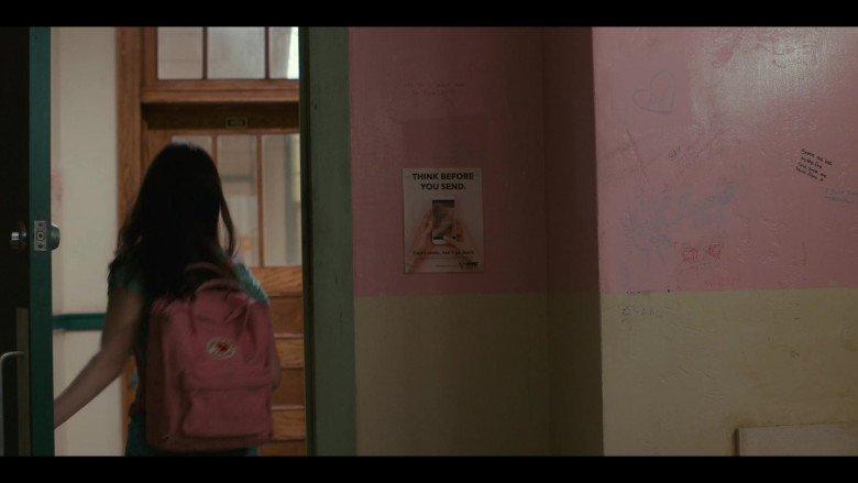 Fjällräven Raven Pink Backpack of Amalia Yoo as Leila Kwan Zimmer in Grand Army S01E02 (2)