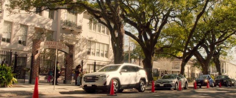 GMC Terrain White SUV of Mamoudou Athie as Nolan in Black Box Movie (1)
