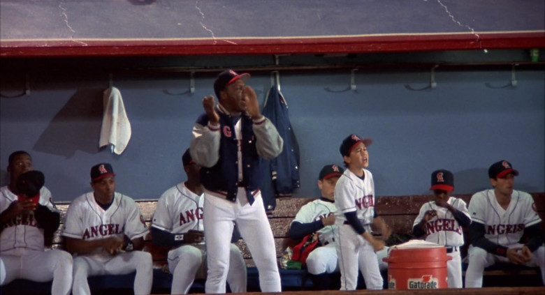 Gatorade Drinks in Angels in the Outfield (3)