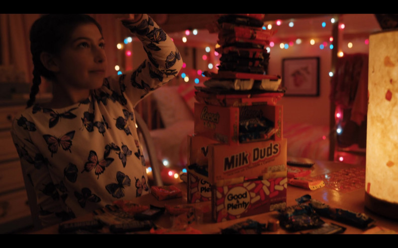 Good & Plenty, Milk Duds and Reese's of Sunny Sandler as Cooky in Hubie Halloween (2020)