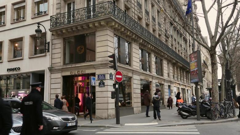 Gucci Store in Emily in Paris S01E10 Cancel Couture (2020)