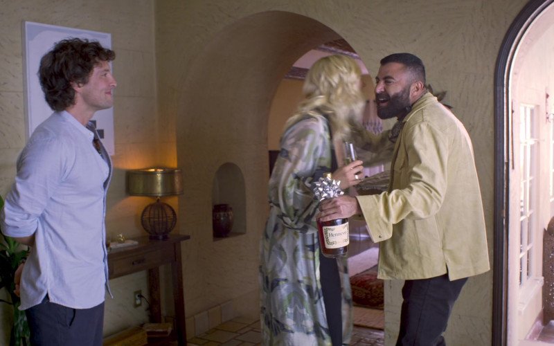 Hennessy Cognac in Friendsgiving Movie (1)