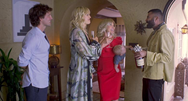 Hennessy Cognac in Friendsgiving Movie (2)