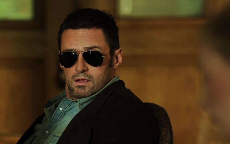 Hugh Jackman as Charlie Kenton Wears Ray-Ban Aviator Sunglasses in Real Steel Movie (4)