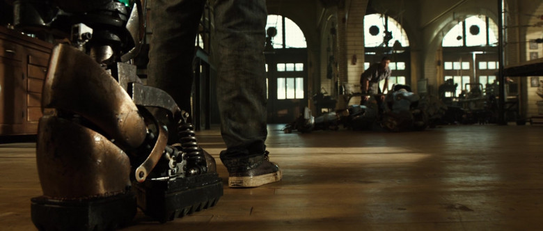 Jack Purcell Shoes of Dakota Goyo as Max Kenton in Real Steel (2)