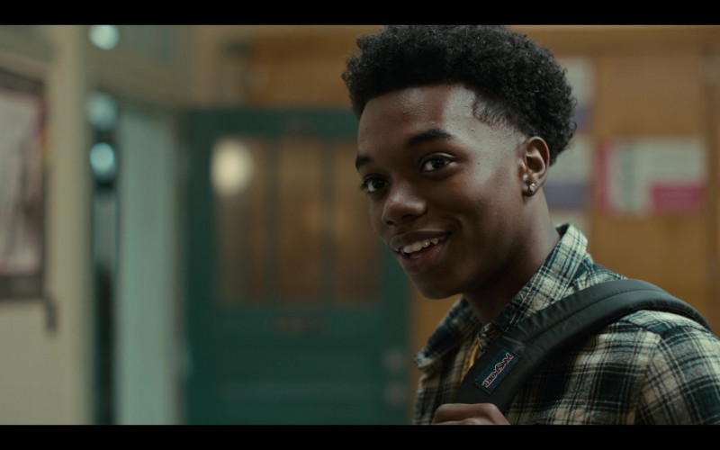 JanSport Backpack of Maliq Johnson as Jayson in Grand Army S01E06 (1)