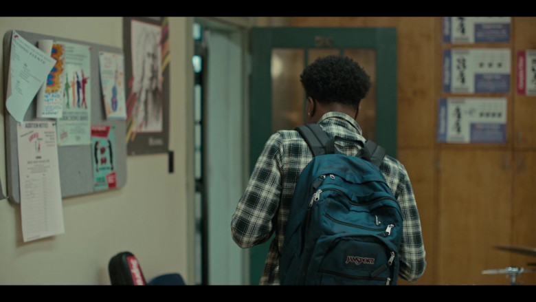 JanSport Backpack of Maliq Johnson as Jayson in Grand Army S01E06 (2)