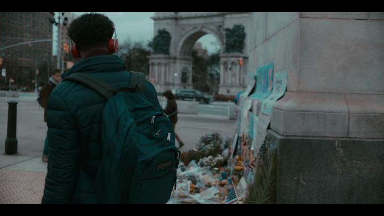 JanSport Green Backpack of Maliq Johnson as Jayson Jackson in Grand Army S01E04