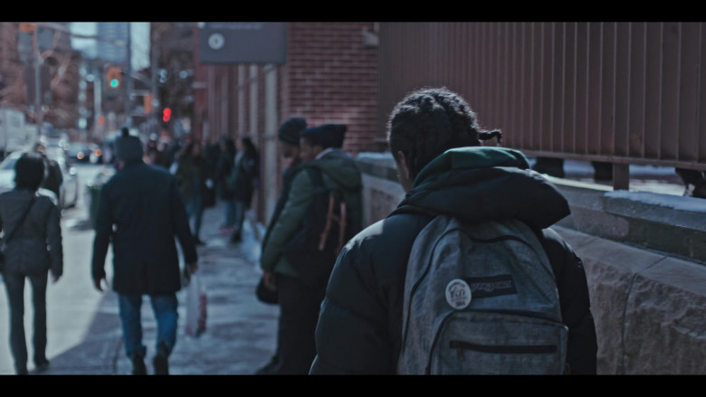 JanSport Grey Backpack of Jaden Jordan as Owen Williams in Grand Army S01E09