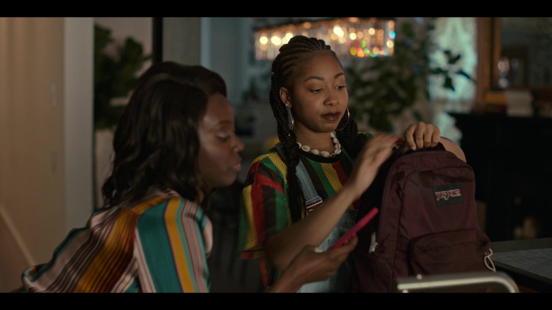 Jansport Backpack of Odley Jean as Dominique Pierre in Grand Army S01E06 (1)