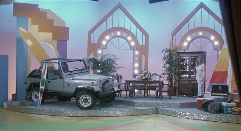 Jeep Wrangler Car in Elvira Mistress of the Dark (1)