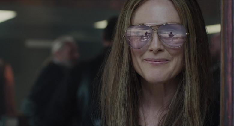 Julianne Moore as Gloria Steinem Wears Ray-Ban Shooter Aviator Design Glasses in The Glorias Movie (2)