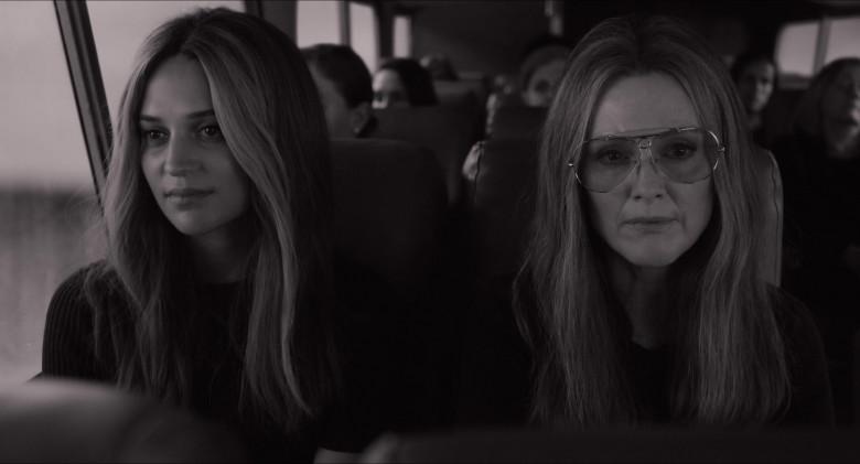 Julianne Moore as Gloria Steinem Wears Ray-Ban Shooter Aviator Design Glasses in The Glorias Movie (5)