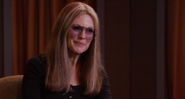 Julianne Moore as Gloria Steinem Wears Ray-Ban Shooter Aviator Design Glasses in The Glorias Movie (6)