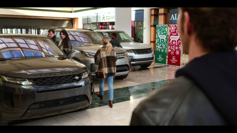 Land Rover & Range Rover Cars in Holidate Movie by Netflix (3)