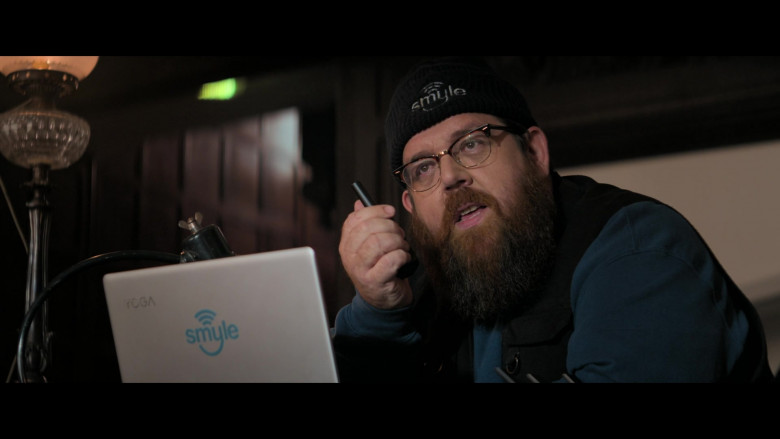 Lenovo Yoga Laptop of Nick Frost as Gus Roberts in Truth Seekers S01E02