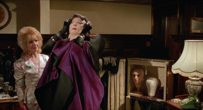 Louis Vuitton Luggage and Bags in The Witches 1990 Movie (4)
