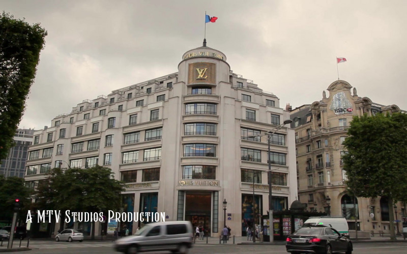 Louis Vuitton Store in Emily in Paris S01E10