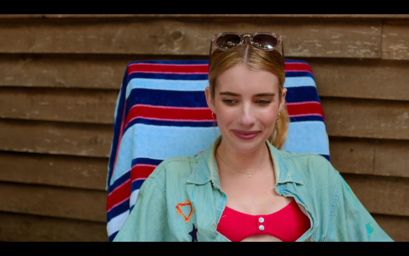 Maui Jim Sunglasses of Emma Roberts as Sloane in Holidate Movie