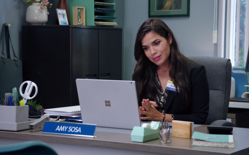 Microsoft Surface Notebook of America Ferrera as Amelia 'Amy' Sosa in Superstore S06E01 TV Series (1)