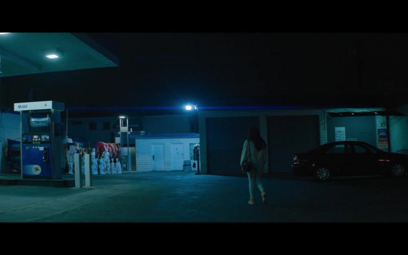 Mobil in Kajillionaire (2020)