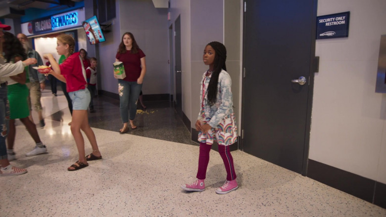 Nakai Takawira as Mara Wears Converse Pink Shoes in Welcome to Sudden Death Movie