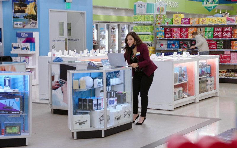 Netgear Router, LaCroix, Shasta, Pepsi and Mtn Dew Drinks in Superstore S06E01