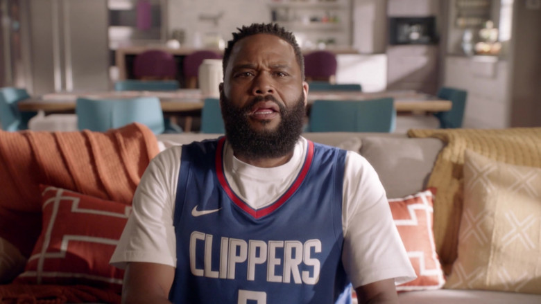Nike LA Clippers Basketball Jersey Outfit of Anthony Anderson as Dre in Black-ish S07E01 TV Show (1)