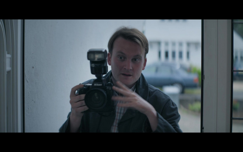 Nikon Camera in Truth Seekers S01E07 The Hinckley Boy (2020)