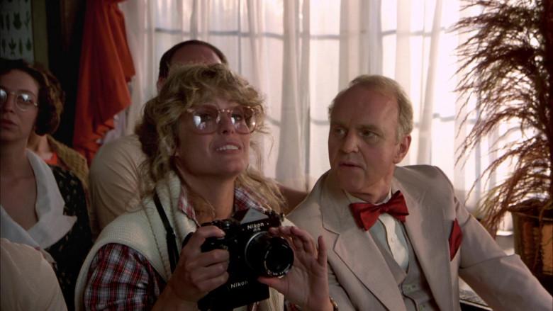 Nikon Camera of Farrah Fawcett as Beauty Pamela Glover in The Cannonball Run (1)