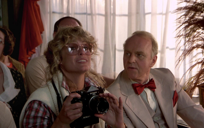 Nikon Camera of Farrah Fawcett as Beauty Pamela Glover in The Cannonball Run (1)