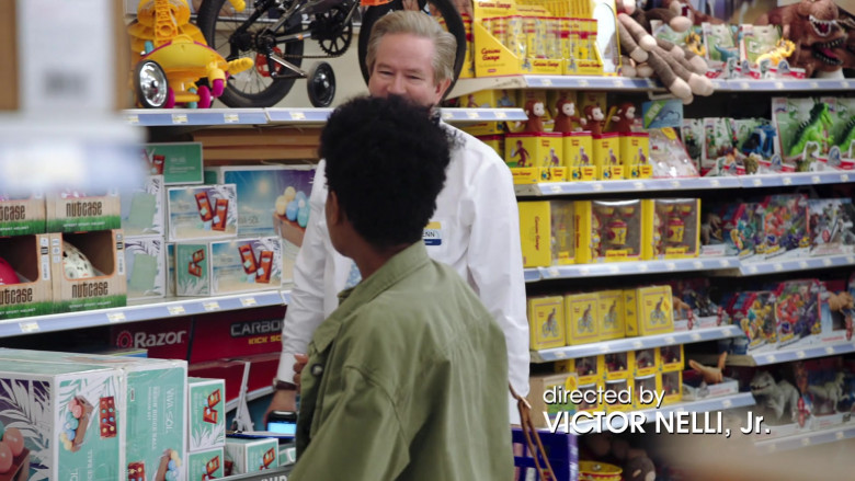 Nutcase Helmets and Razor Scooters in Superstore S06E01 Essential (2020)