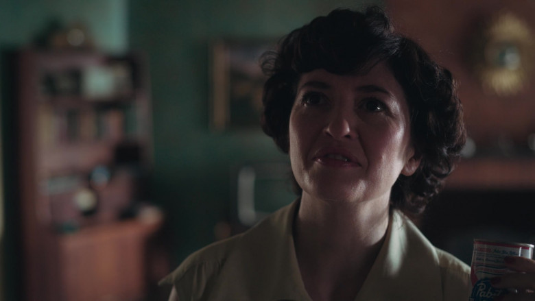 Pabst Blue Ribbon Beer Cans of Marielle Heller as Mrs. Alma in The Queen's Gambit Episode 2 TV Show (1)