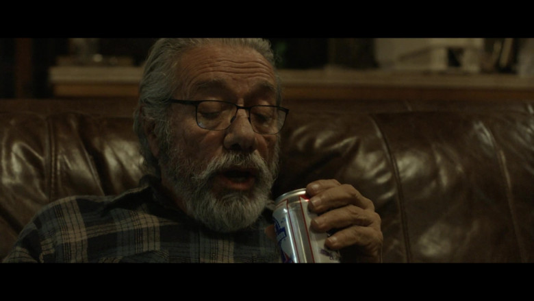 Pabst Blue Ribbon Beer of Edward James Olmos as Santiago in The Devil Has a Name (2019)