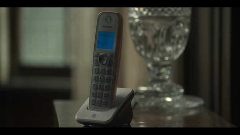 Panasonic Telephone in Monsterland S01E03 New Orleans, LA (2020)