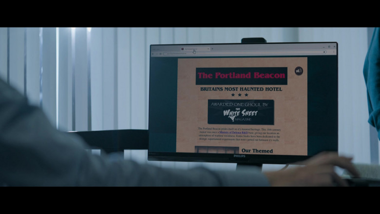 Philips Computer Monitor in Truth Seekers S01E06 The Revenge of the Chichester Widow (2020)