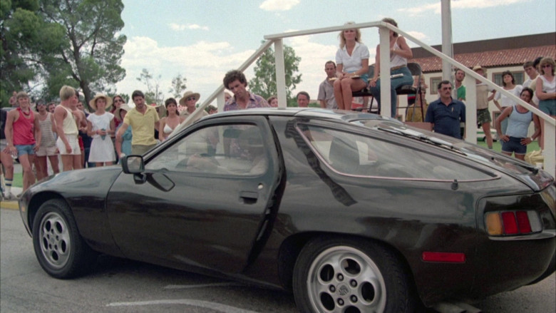 Porsche 928 Sports Car in Cannonball Run II (1984)