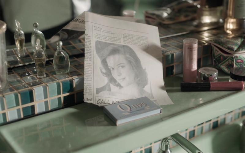 Q-Tips Cotton Swabs in The Queen's Gambit Episode 6 Adjournment (2020)