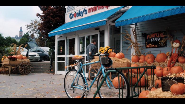 Raleigh Bicycle of Adam Sandler as Hubie Dubois in Hubie Halloween Movie by Netflix (1)
