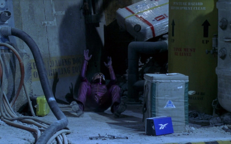 Reebok Shoe Box in The Adventures of Pluto Nash (2002)