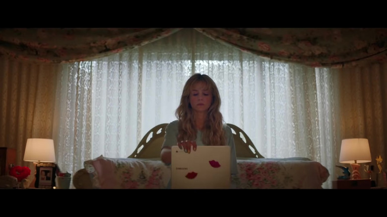 Samsung Chromebook Laptop of Carey Mulligan as Cassandra 'Cassie' Thomas in Promising Young Woman (2020)
