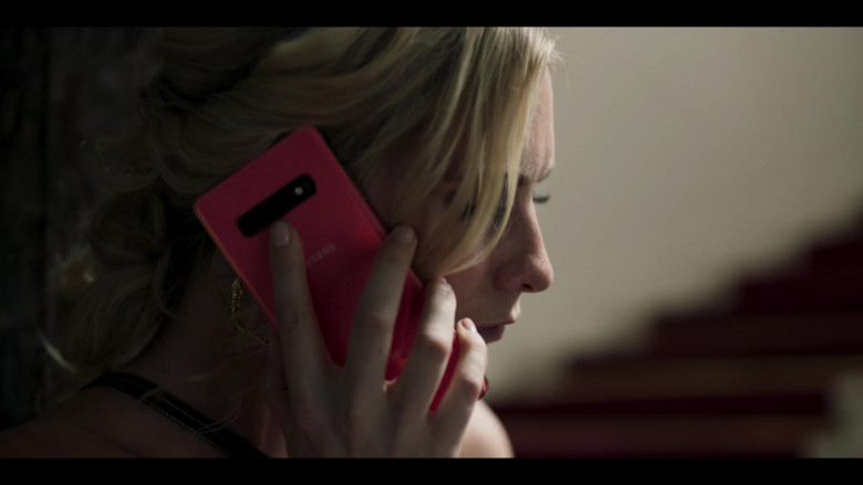 Samsung Galaxy Smartphone Used by Actress Synnøve Macody Lund in Riviera S03E07 (2020)