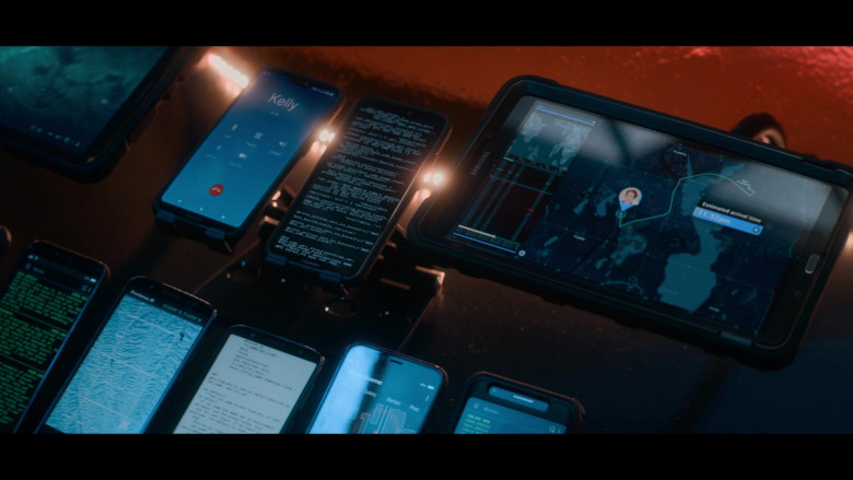 Samsung Galaxy Tablet in A Babysitter's Guide to Monster Hunting (2020)