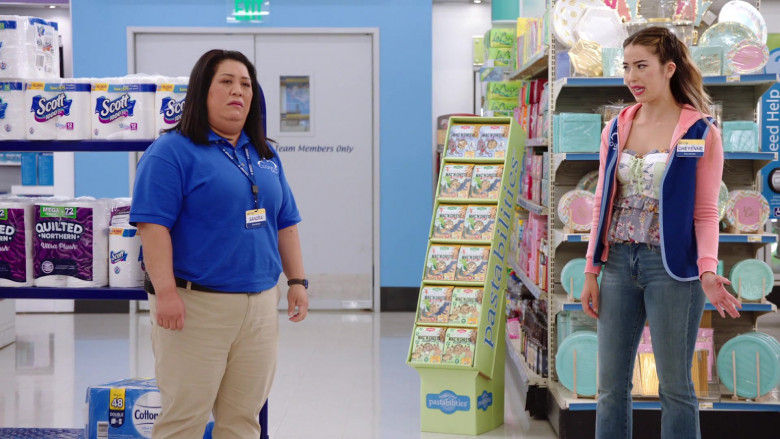 Scott, Quilted Northern, Pastabilities Pasta in Superstore S06E01 Essential (2020)