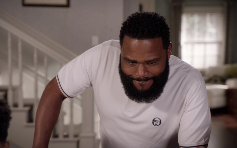 Sergio Tacchini White Polo Shirt Outfit of Anthony Anderson as Dre in Black-ish S07E02 TV Show (2)