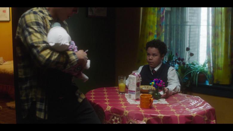 Skim Plus Milk in The Undoing Episode 1 (1)