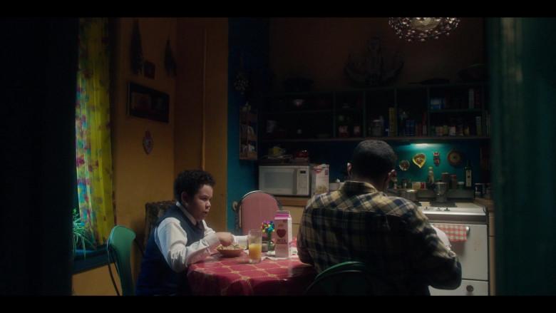 Skim Plus Milk in The Undoing Episode 1 (2)