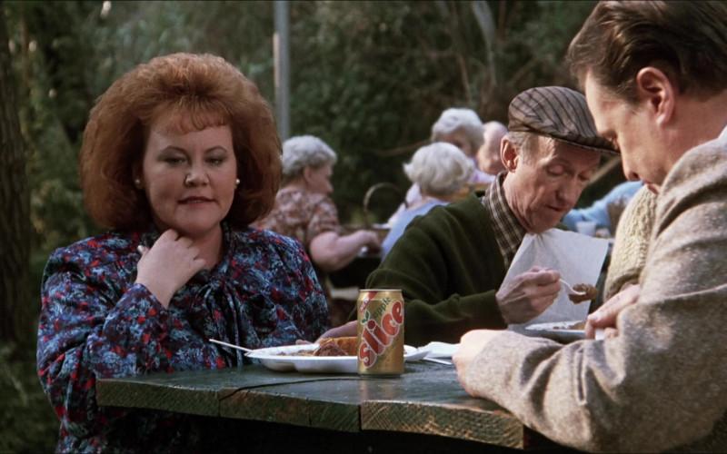 Slice Apple Soda Drink Can in Elvira Mistress of the Dark (1988)