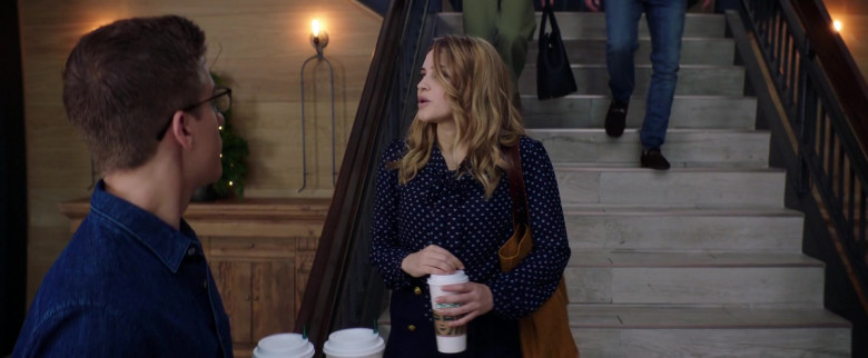 Starbucks Coffee Enjoyed by Josephine Langford as Tessa Young in After We Collided (2020)